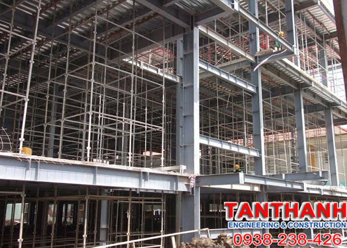 Nhà Xưởng Tân Thanh Thi Công Lắp Đặt Khung Nhà Thép Tiền Chế Tại Uy Tín